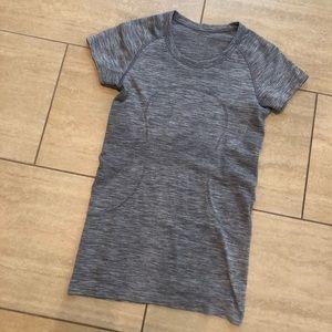lululemon athletica Tops - Lululemon short sleeve swiftly